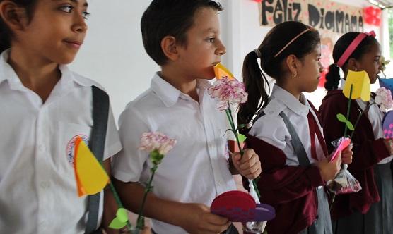 flores-colegio-bilingue-anglo-americano